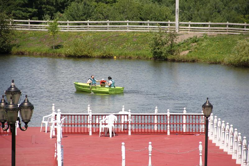 kars4kids_thezone_camp_girlsDivsion_activities_boating (40).JPG