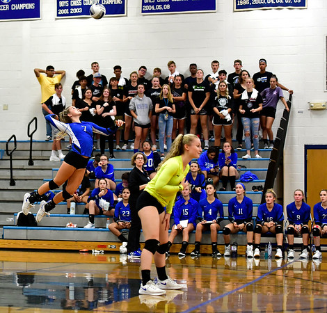 10/2/2019 Mike Orazzi | Staff Bristol Eastern's Zoe Lowe (7) serves during a win over Maloney on Wednesday.