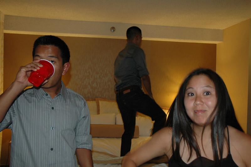 Hawaii - Friends Hotel Party-18.JPG