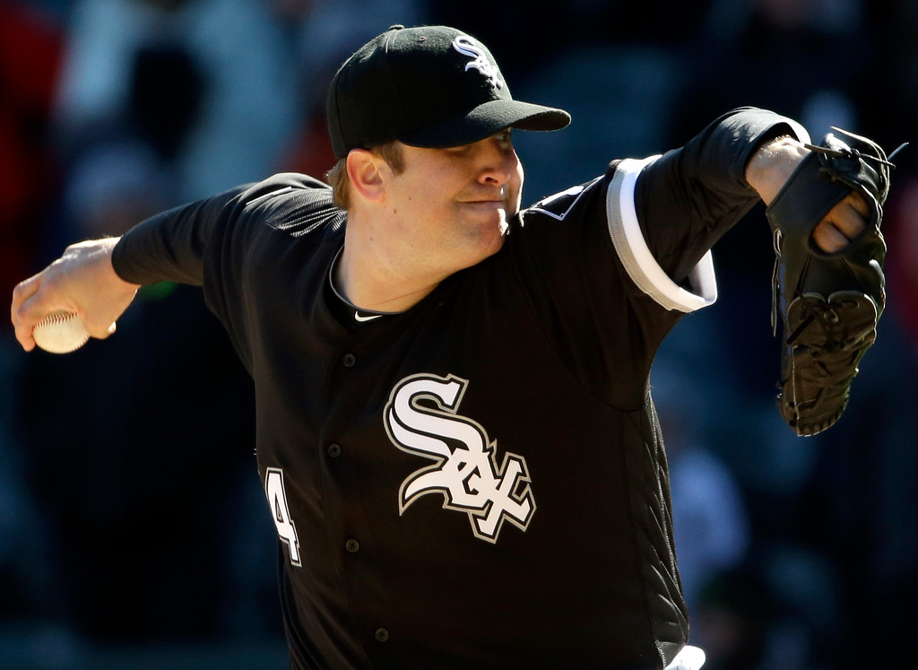 . Chicago White Sox relief pitcher Matt Albers throws against the Cleveland Indians during the ninth inning of a baseball game Saturday, April 9, 2016, in Chicago. The White Sox won 7-3. (AP Photo/Nam Y. Huh)
