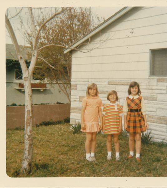Shari, Annette & Ramona 1970.jpg