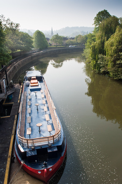 Bar barge