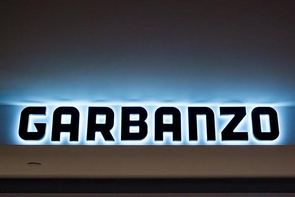 Garbanzo, Concourse B - Center