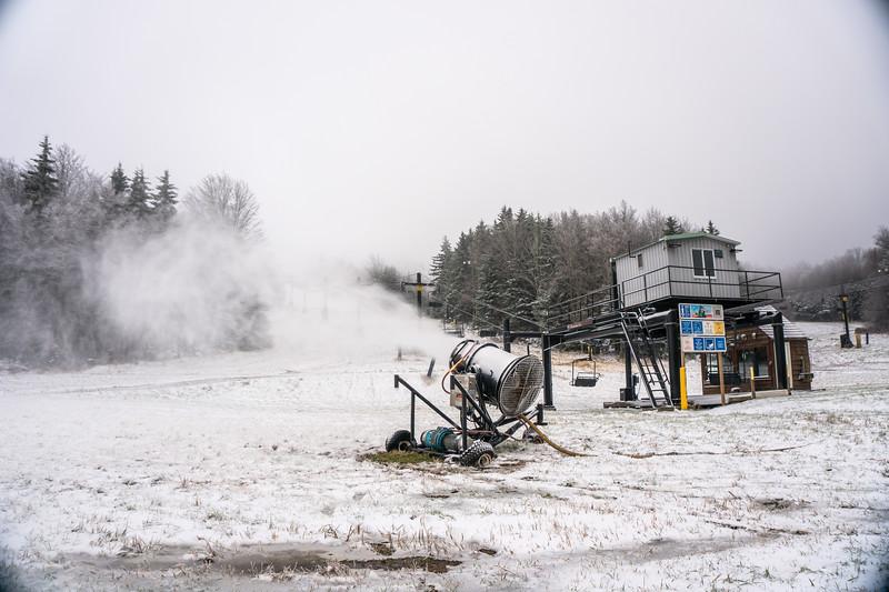 Snowmaking-03362.jpg
