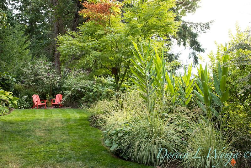 Whit & Mary Carhart garden_6203.jpg