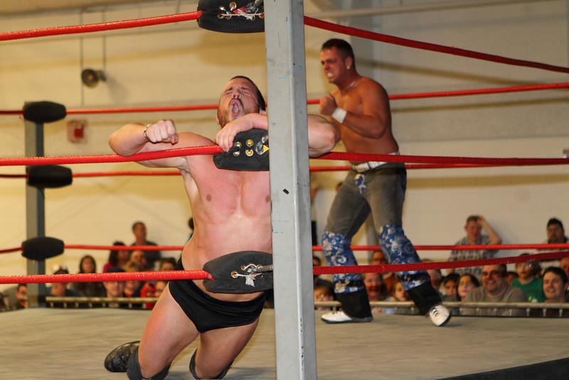 wrestling336.JPG