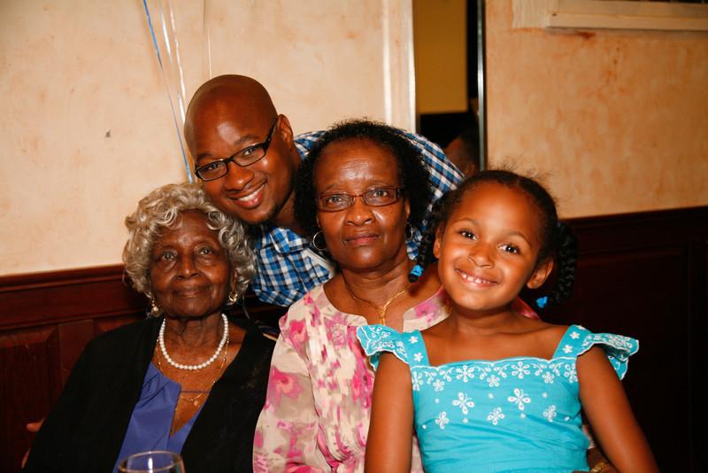 Edouard Family Reunion-3556.jpg