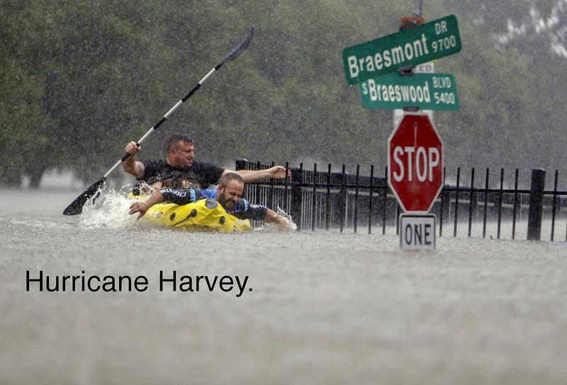la-na-hurricane-harvey-pictures-20170825-073.jpg