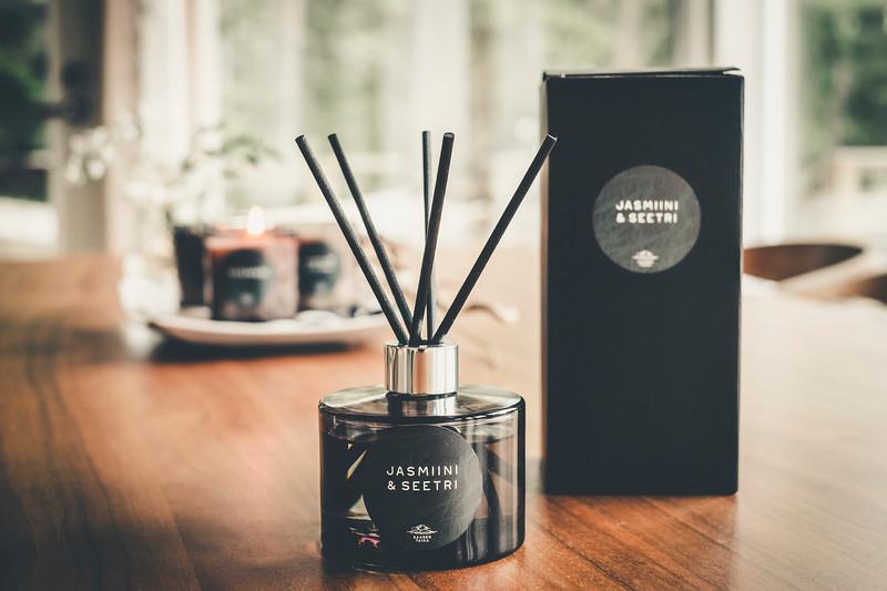 Saaren Taika huonetuoksu tuoksukynttilät sisustus lifestyle (15 of 30).jpg