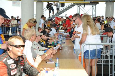 Sunday Autograph Session & Fans