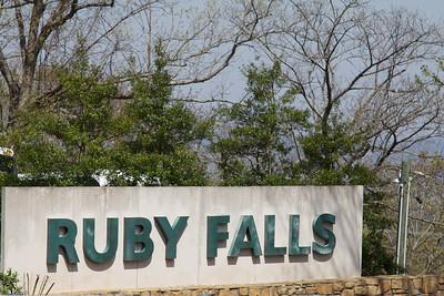 2010-04-02 Ruby Falls