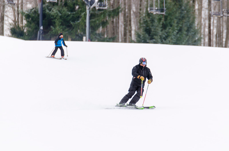Opening-Day-Slopes-2014_Snow-Trails-70879.jpg