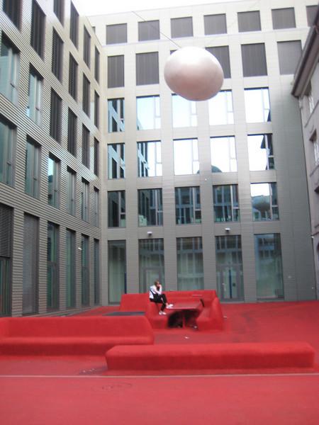 red_livingroom_art_4.jpg