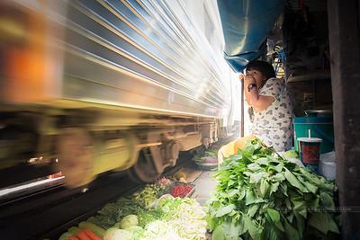 Une journée à 16 mm - Maeklong market, Bangkok