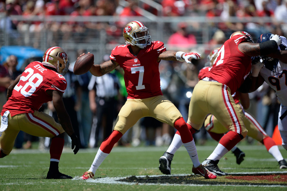 . San Francisco 49ers quarterback Colin Kaepernick (7) drops back t pass against the Denver Broncos during the first quarter August 17, 2014 at Levi\'s Stadium. (Photo by John Leyba/The Denver Post)
