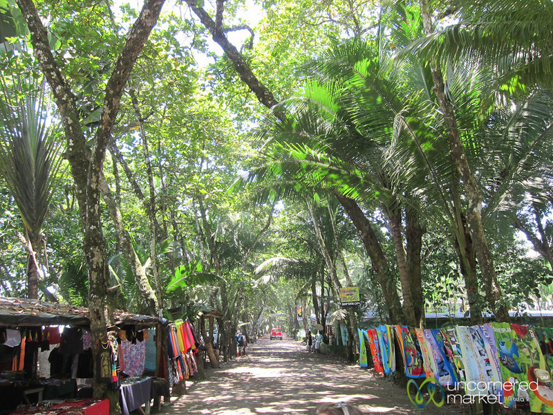 Shopping in Dominical, Costa Rica