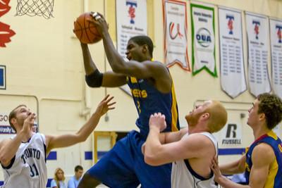 Men's Basketball - Queen's at Toronto 20120127