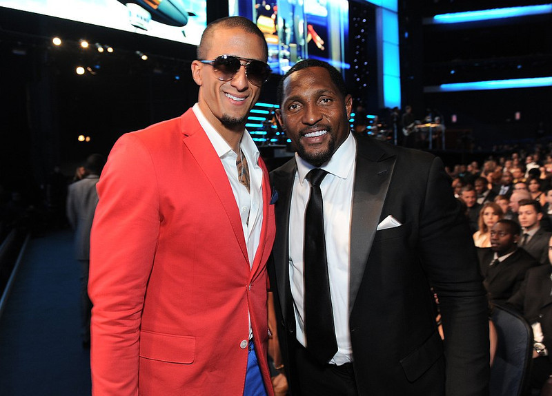 . Colin Kaepernick, left, and Ray Lewis pose in the audience at the ESPY Awards on Wednesday, July 17, 2013, at Nokia Theater in Los Angeles. (Photo by Jordan Strauss/Invision/AP)