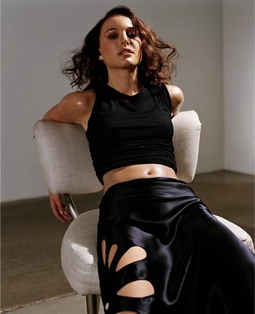 stylist-jennifer-hitzges-magazine-fashion-editorial-creative-space-artists-management-f48oi7kxh8ov7ix4.jpg