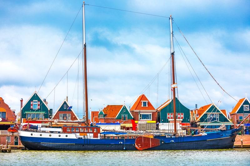 amsterdam day tours to volendam