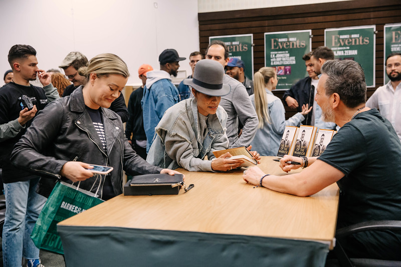2019_2_28_TWOTW_BookSigning_SP_146.jpg
