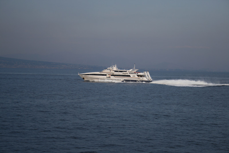 2010 - HSC VESUVIO JET at sea on Capri - Napoli route.