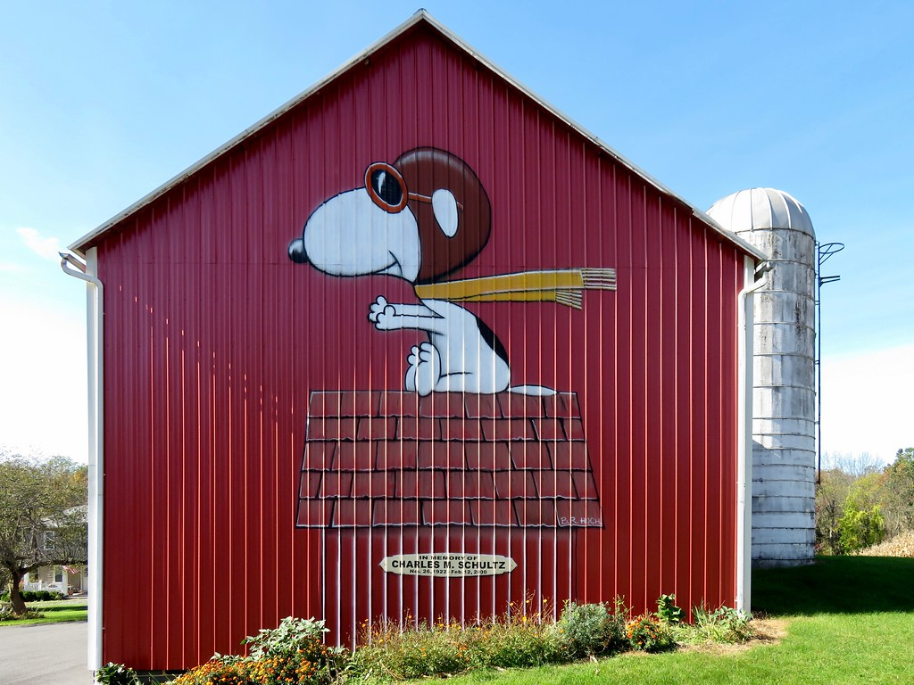 Snoopy as World War I Flying Ace - Barn in Nazareth, Pennsylvania