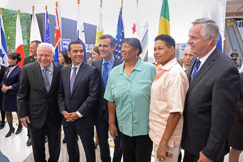 . At LAX, dignitaries gathered to open the new Tom Bradley International Terminal. L to R: Former Mayors Dick Riordan and Antonio Villaraigosa with Mayor Eric Garcetti. Lorraine and Phyllis Bradley and former Mayor James Hahn. (Wed. Sept 18, 2013 Photo by Brad Graverson/The Daily Breeze
