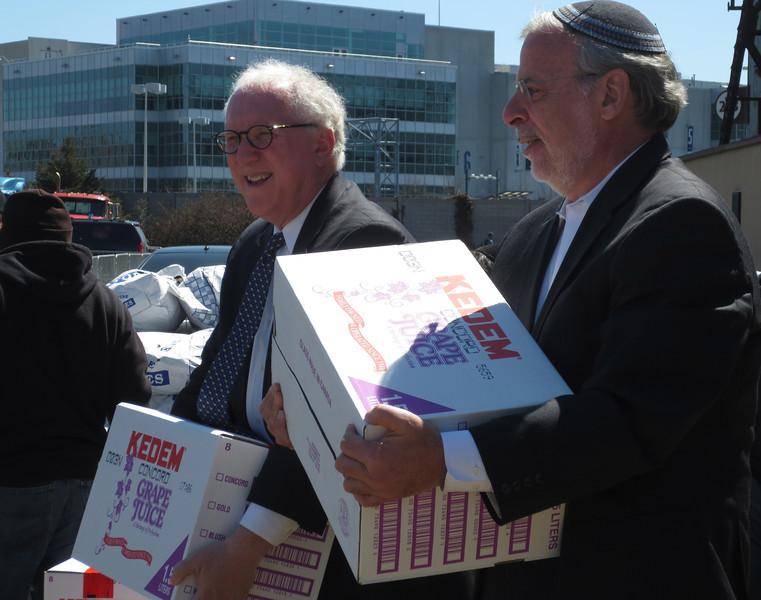 UJO Passover dist David and Dov Hikind.JPG
