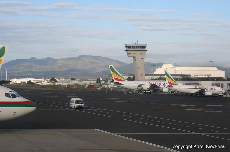 02.Bole Airport_.JPG