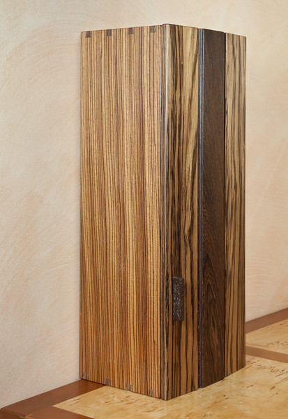 Cabinet in zebrano and wenge