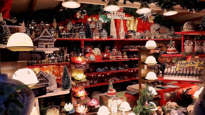 Keramikhaus Weihnachtsmarkt Bamberg.mp4