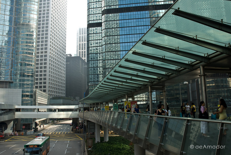 aeamador©-HK08_DSC0140  Hong Kong, downtown area, near ifc tower. I was very impressed by the affluence evidenced in this area. Hong Kong is quite a chic and fine place.