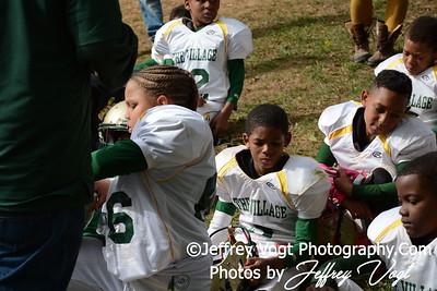 10-17-2015 Montgomery Village Sports Association Chiefs Mighty Mites Green vs Ridge Road Titans, Photos by Jeffrey Vogt Photography