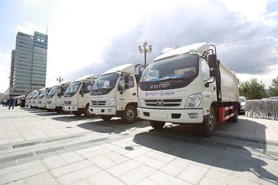 Улаанбаатар хотын Захирагчийн ажлын албанаас 25 автомашиныг дүүргүүдэд хүлээлгэн өглөө