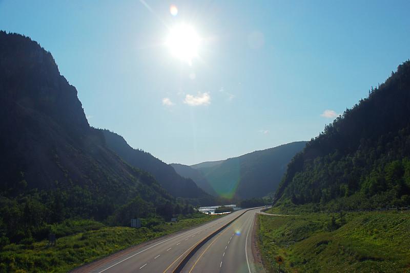 Autoroute transcanadienne en sortant de Corner Brook - Terre-Neuve
