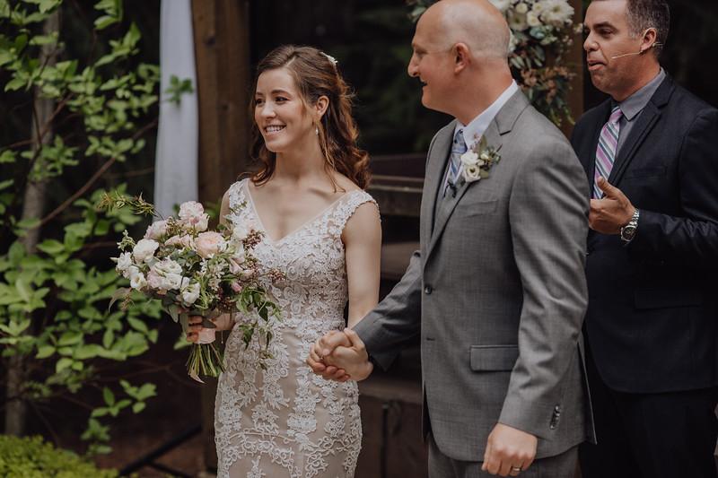 2018-05-12_ROEDER_JulieSeth_Wedding_DUSTIN1_0080.jpg
