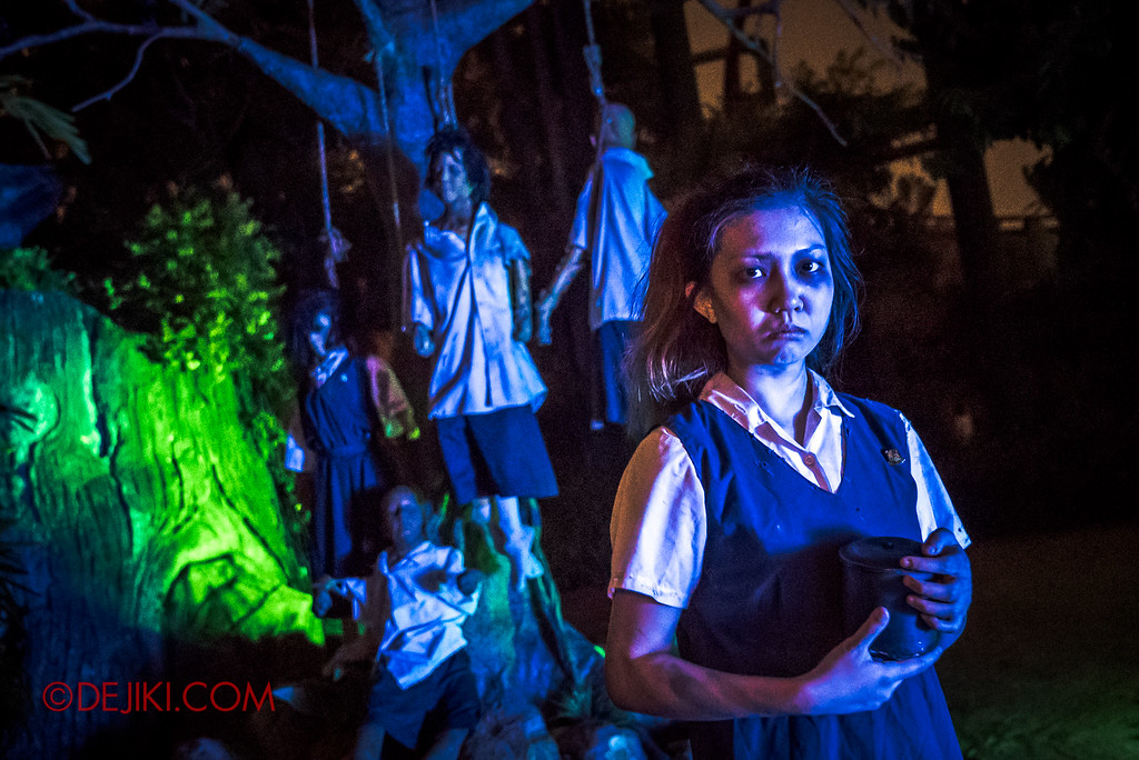 Halloween Horror Nights 6 - Suicide Forest scare zone / The student V