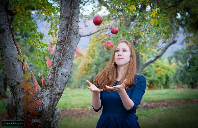 EB Fruitc smug 1400 40-2492.jpg