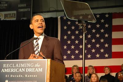 US President Barack Obama in Kansas January 29, 2008