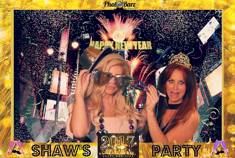 Shaws NYDay Party (46).jpg