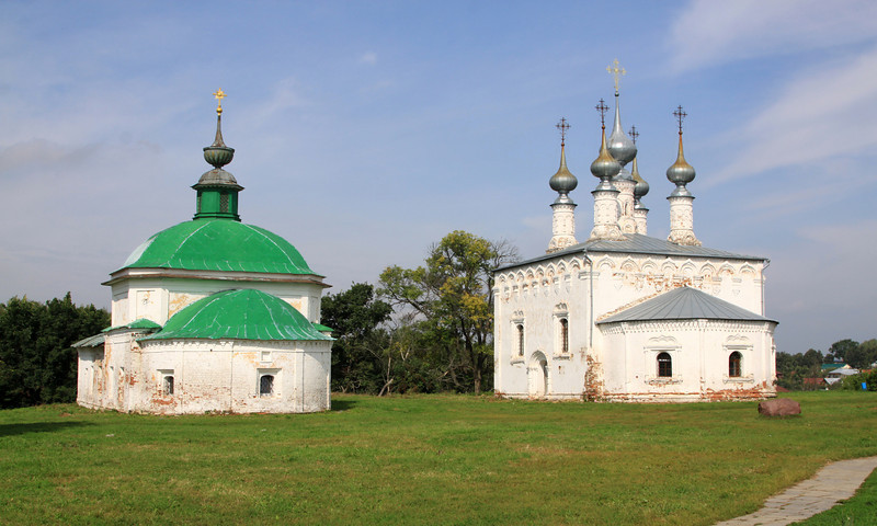 Suzdal -  'Winter' and 'summer' churches near Trade/Market Square. These churches were used as a summer/winter combination.