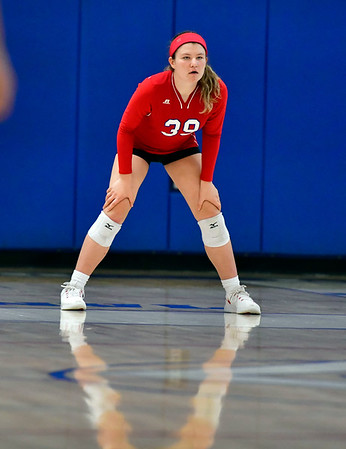 10/4/2019 Mike Orazzi | StaffrSt. Paul's Ellie Galasso (39) during Friday night's volleyball match with Crosby in Bristol.