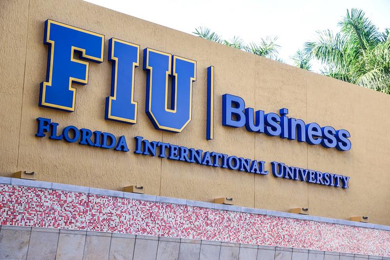 10-22 FIU Business HOF Alumni Panel-101.jpg