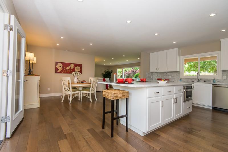 DSC_4293_kitchen.jpg