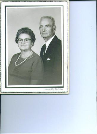 Edna & Alve Lovell,   355x519.jpg