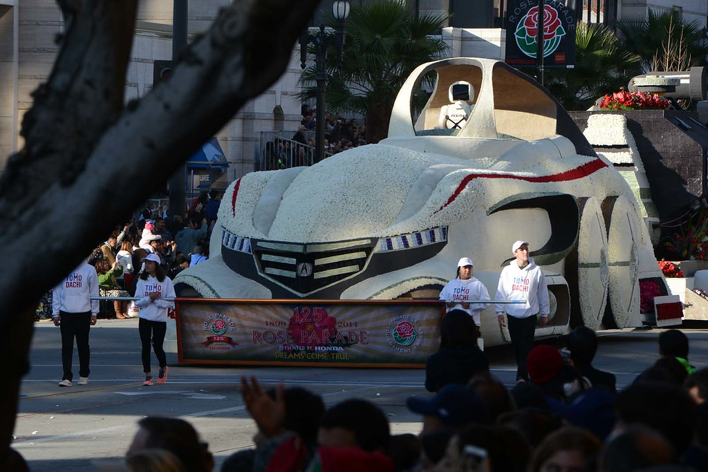 ". American Honda ""Keeping Dreams on Track\"" float.  Today\'s Rose Parade, Wednesday January 1, 2014, marks the iconic parade\'s 125th year along the streets of Pasadena, CA. (Staff photo by Rick Sforza/Pasadena Star-News)"