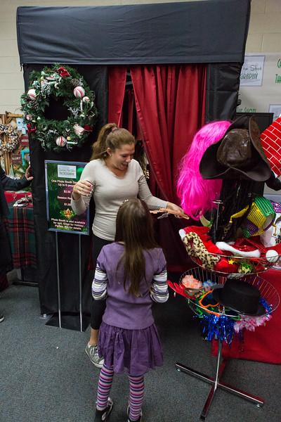 Good Shepard Lutheran School Christmas Boutique 2014-235.jpg