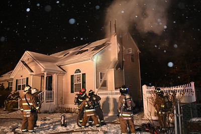 Mastic Firefighters Battle Fire During Snow storm {2021.02.19}