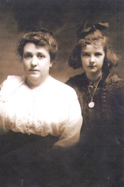 Maude and Mary Eldredge